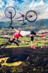 """scottbiker """"Flying high"""" (2014-05-13 16:15:26) komentarzy: 1, ostatni: A może warto popracować nad obróbką, żeby nadać efekt ruchu kołom ... ? W tej wersji wygląda na wklejankę :-/"""