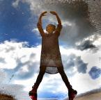 """asiasido """"Jezioro łabędzie"""" (2014-05-15 20:35:30) komentarzy: 36, ostatni: aha i w balecie stoi sie na palcach a nie piętach. Śmieszna panienka, ale bardzo sympatyczne zdjęcie"""