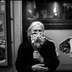 """KKozlowski """"Kwiaciarka"""" (2014-07-14 00:32:30) komentarzy: 7, ostatni: Dostałam kiedyś taki bukiecik. Zasuszony.....Uśmiech zniewala, choć  skryty."""