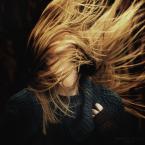 """zazielona """""""" (2015-01-11 11:12:14) komentarzy: 15, ostatni: Rozfurkotała się ogniem, jak ćma  przy  nocnej lampce. Wietrzna impresja."""