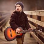 """adamix69 """"chłopak z gitarą"""" (2015-02-01 20:51:53) komentarzy: 4, ostatni: Super!"""