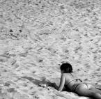"""Maciej Konopka """"Leniuchująca samotność....."""" (2015-05-17 23:52:22) komentarzy: 15, ostatni: Maćku, no podoba się zdjęcie, więcej nam tu takich obrazków potrzeba. Wspomnienie lata, lekka bryza, słoneczko, piszczący piasek pod stopami i rozgrzana kobieca pupa. :))"""