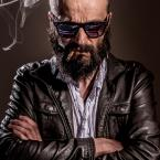 """marcin wuu """"Smoke and Lighting and Heavy Metal Thunder"""" (2015-06-12 12:12:24) komentarzy: 6, ostatni: Odbicie motywu przewodniego w okularach jest modne......ciekawa praca"""