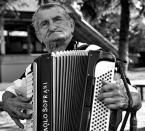 "lelo999 ""Akordeonista z Białowieży"" (2015-10-09 22:59:35) komentarzy: 4, ostatni: albo (kurde youtube wymięka) http://klassikaraadio.err.ee/v/folgialbum/saated/b1c7b30c-e17d-4bae-aed9-f8cde8d7da34"