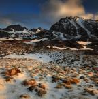 """krupen """"V"""" (2016-02-08 23:04:28) komentarzy: 13, ostatni: a trawy w świetle, jak bursztyny w śniegu zaklęte zbierane po drodze,....choćby na mgnienie"""