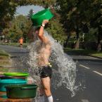 """atom """""""" (2016-09-12 17:35:50) komentarzy: 6, ostatni: Może to czyn trochę samolubny, ale wolontariusze mieli hydrant do dyspozycji i wody nie brakowało :-)"""
