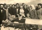 """PawełP """"Pogrzeb sąsiada"""" (2016-12-09 23:40:04) komentarzy: 4, ostatni: Dobrze,że te czasy już minęly . Dokument tak, za Grannym"""