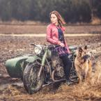 """adamix69 """"..."""" (2017-02-20 19:07:51) komentarzy: 4, ostatni: za czysta przy tym motocyklu :)"""