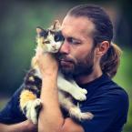 """Meller """"Endrju.."""" (2017-02-24 20:59:39) komentarzy: 12, ostatni: Mamucha jest kotem alfa w tym stadku :) fajne."""