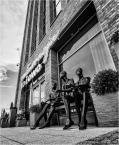 """Adam Skotarczak """"***"""" (2017-08-05 18:17:43) komentarzy: 4, ostatni: Wytrwale czekają na otwarcie sklepu... Zdjęcie super, temat super, perspektywa super, jakość tonalna super! :)"""