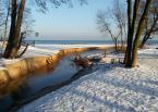 """baha7 """"w Jelitkowie"""" (2017-12-28 10:07:38) komentarzy: 1, ostatni: ładne, ciekawie gra w kadrze biały śnieg z pastelowo żółtym paskiem brzegu :)"""