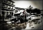 """matyldaW """"Po powodzi na wyspie Skopelos, w stolicy (Grecja)...wrzesień 2015"""" (2018-04-17 23:09:32) komentarzy: 7, ostatni: Po raz pierwszy przeżyłam wtedy coś takiego, tylko...zdjęć mając wiele, nie odważyłam się wcześniej pokazać. Hotele, domostwa tak do wysokości wewnątrz 1,5 metra lub może i wyżej, nadawały się tylko do kompletnego remontu, zrujnowane przez żywioł..."""